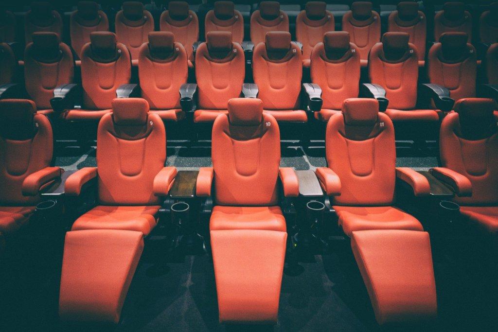 В Петербурге откроются кинотеатры и фудкорты в ТЦ