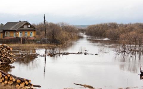 В Комсомольске под воду ушла набережная и свыше 200 дачных участков