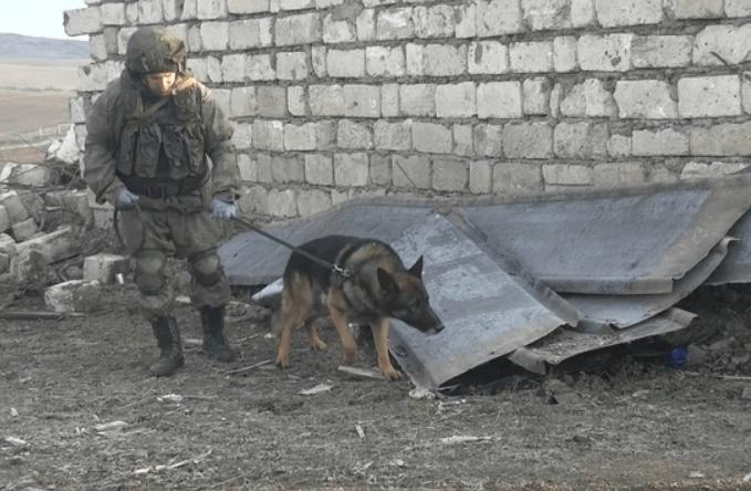 Российские миротворцы заканчивают разминирование северной окраины Степанакерта