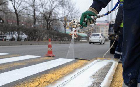 На дорогах Владивостока обновят разметку