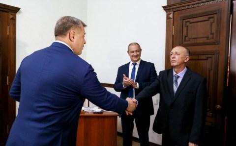 Астраханский энергетик получил награду от президента России