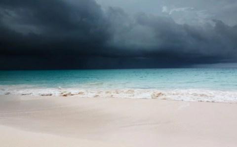 Сахалинцев предупредили о надвигающемся шторме