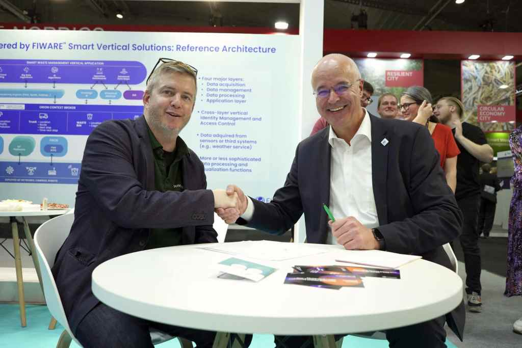 Robert Lann and FIWARE CEO Ulrich Ahle