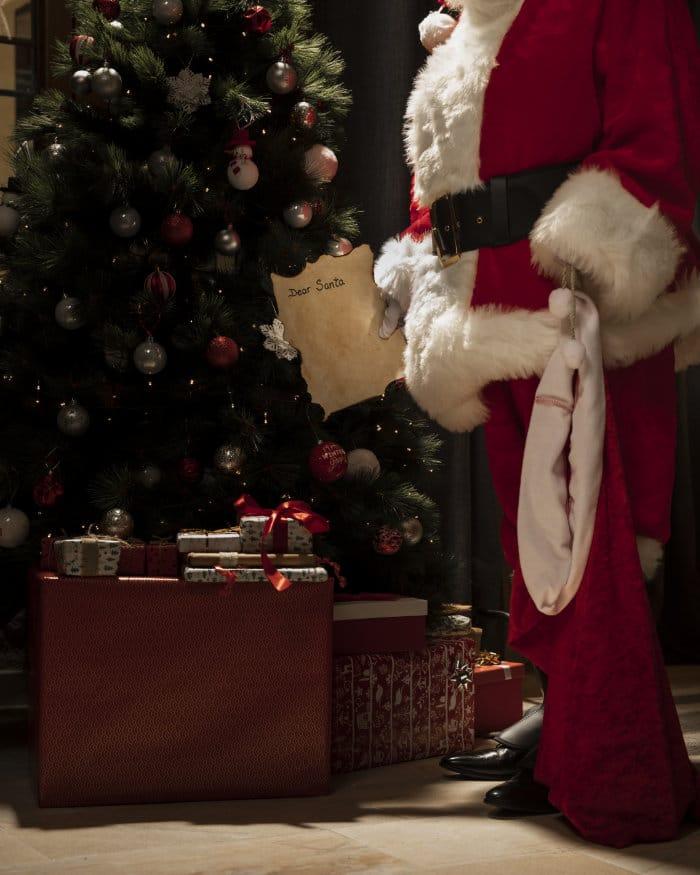 santa leaving christmas presents