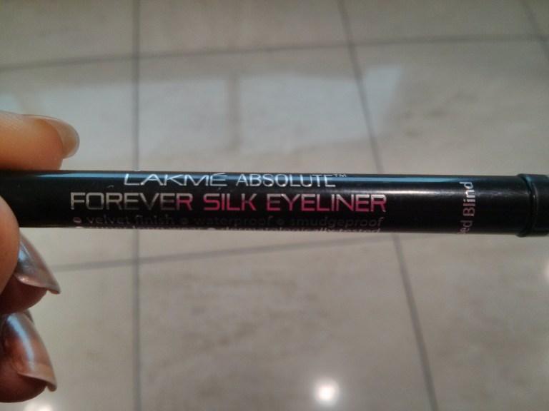 Lakme Absolute Forever Silk Eyeliner Blacklast