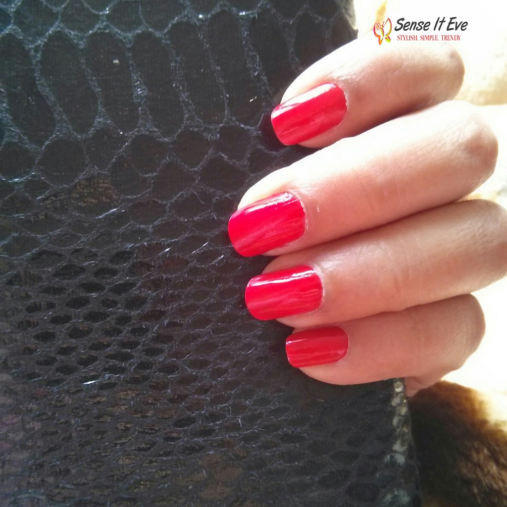 Oriflame Pure Colour Nail Polish 23168 Coral Red Swatches