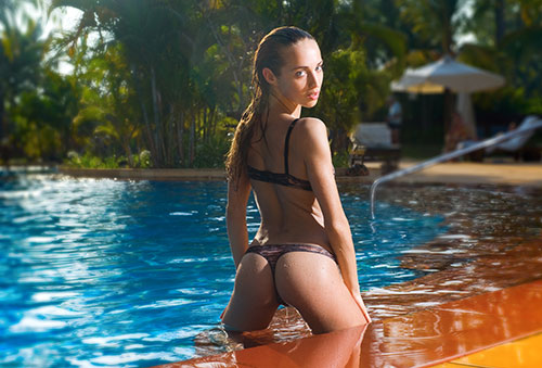 Swinglifestyle Vacation With Sexy Girl In Pool
