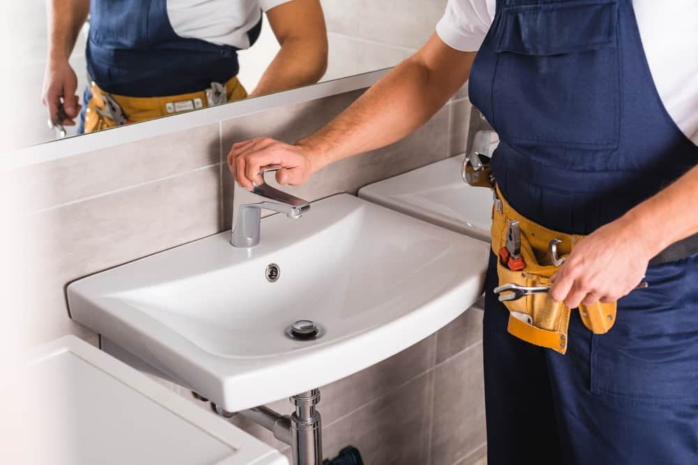 how to replace a bathroom faucet 13