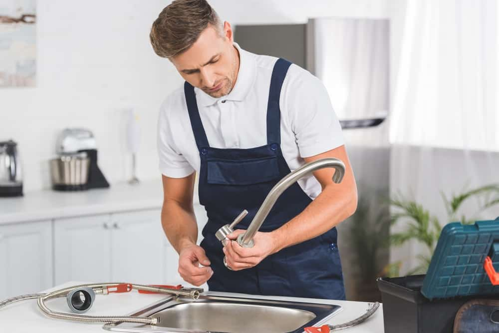 how to replace a kitchen faucet 9 easy