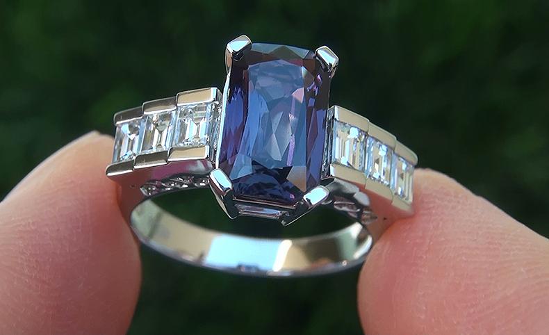 GIA 3.54 ct Unheated Natural VVS1 Color Change Sapphire Diamond Platinum Ring