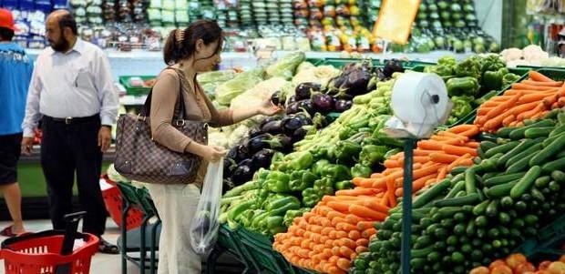 ارتفاعات-في-أسعار-الخضراوات-والفواكه-في-أسواق-أبوظبي-و-دبي-و-الشارقة-620x301