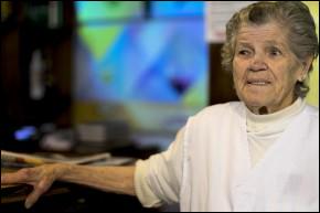 """""""Eles são a mesma coisa que a gente, só que são morenos né? """", Carmelita Toldo, dona de cantina em Caxias do Sul."""