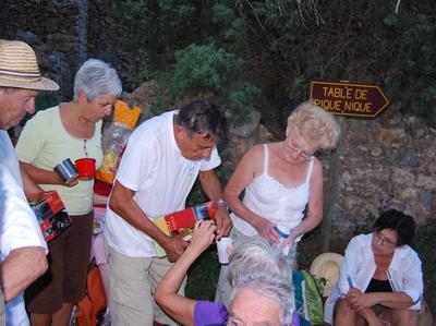 Balade-Sentier-Francis-Lastenouse-Tournissan-Aout-2013-Arret-Snack