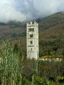 La chiesa di Santa Maria di Diecimo