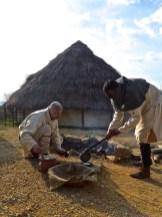 Si cucinano le piadine alla medievale