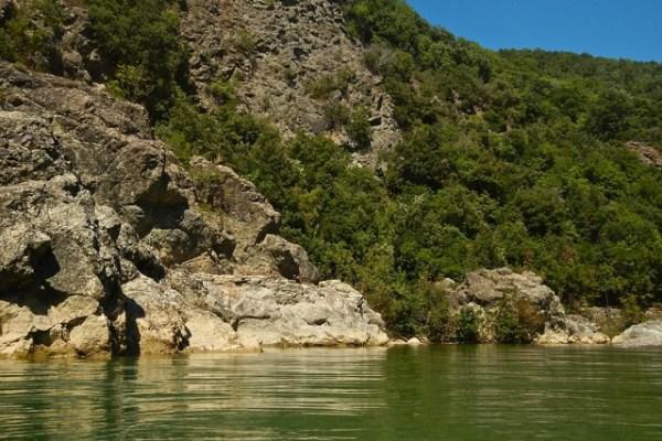 Le piscine naturali del fiume Cecina, al Masso delle Fanciulle