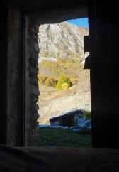 La mattina basta aprire la porta per vedere le Apuane