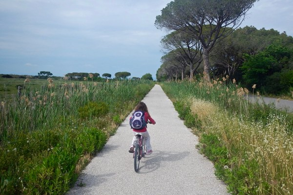 La pista ciclabile nel Parco Naturale della Maremma