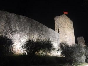Le turrite mura di Monteriggioni