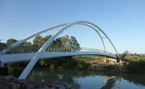Il ponte pedonale sull'Ombrone