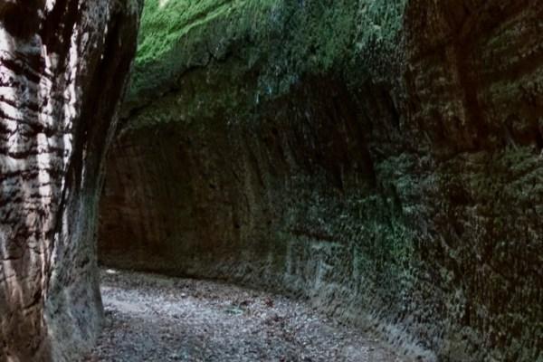 Le vie cave degli Etruschi: Sorano, Sovana e Vitozza