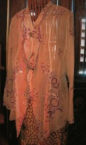 Pinang Peranakan Museum - costume 2