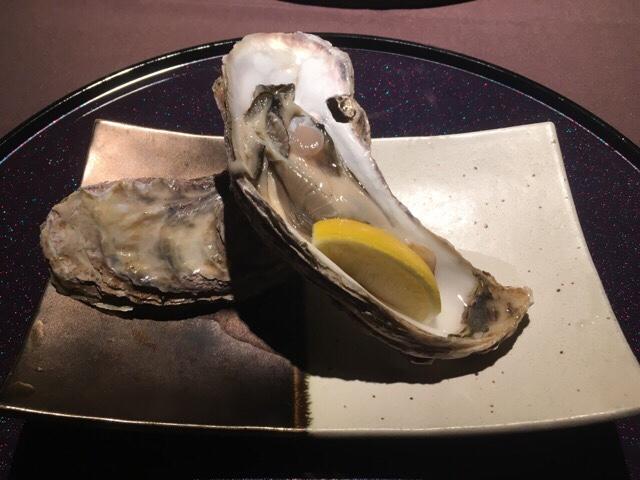 銀座 日月火 生牡蠣