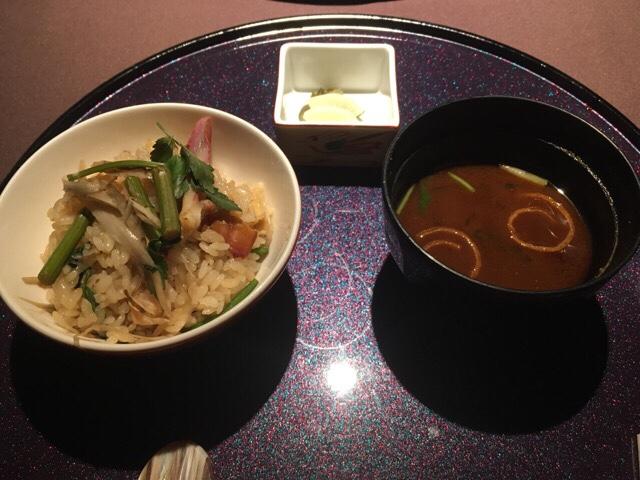 銀座 日月火 北寄貝と芹の土鍋ごはん・味噌汁