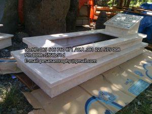 Daftar Makam Batu Nisan