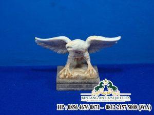 Patung Garuda Onyx