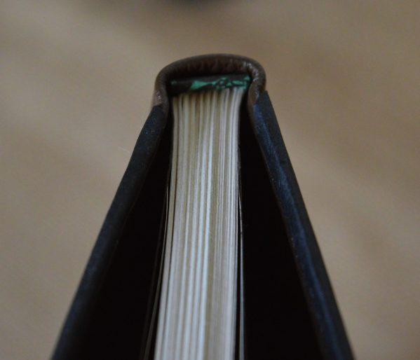 Carnet artisanal noir cuir brun A5 ©sentulia.JPG (1)