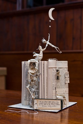edinburgh mystery sculptor, j.m. barrie, peter pan, sculture di carta, biblioteche, edinburgh international book festival