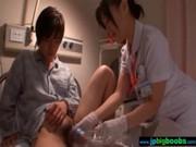 美熟女ナースが患者のチンポを優しく手コキ&フェラチオするてこキ動画 おばさん