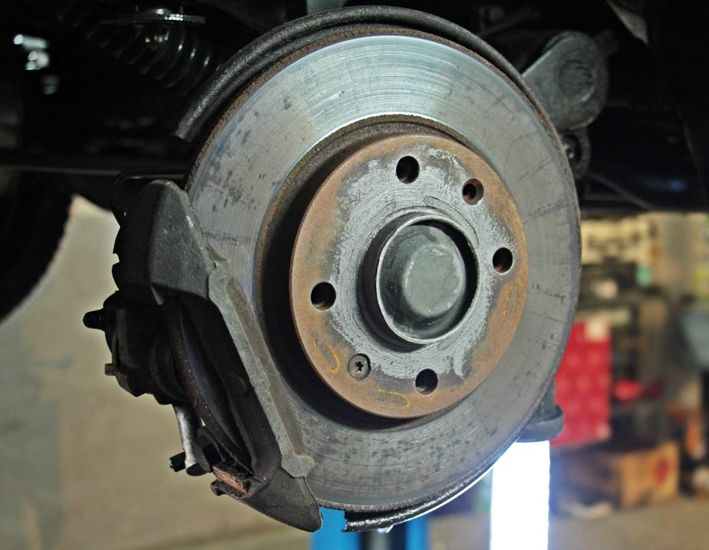 Comment fonctionnent les freins d'une voiture : fonctionnement des freins à disque