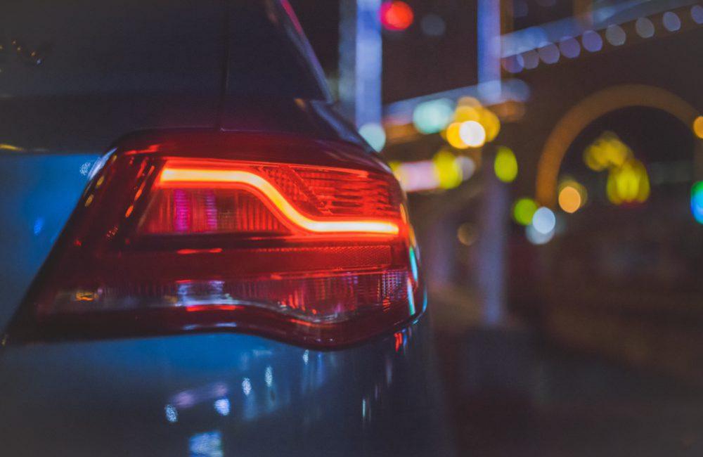 Les feux : connaître les différents types de phares de voiture