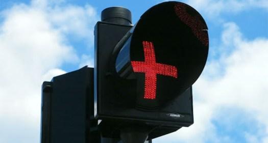 feu signalétique croix rouge