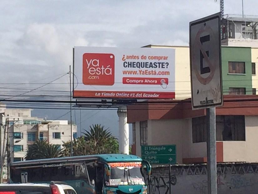 Publicidad de Yaestá cerca del San Luis Shopping.