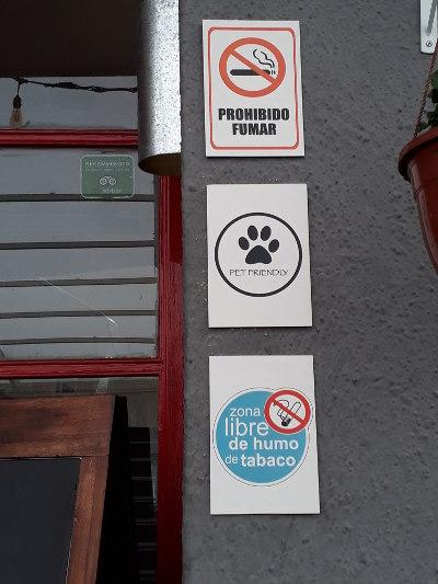 Información en el restaurante Lucia.