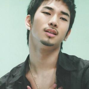 20120925_seoulbeats_mblaq_go_mustache