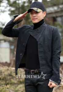 20130320_Se7en_military