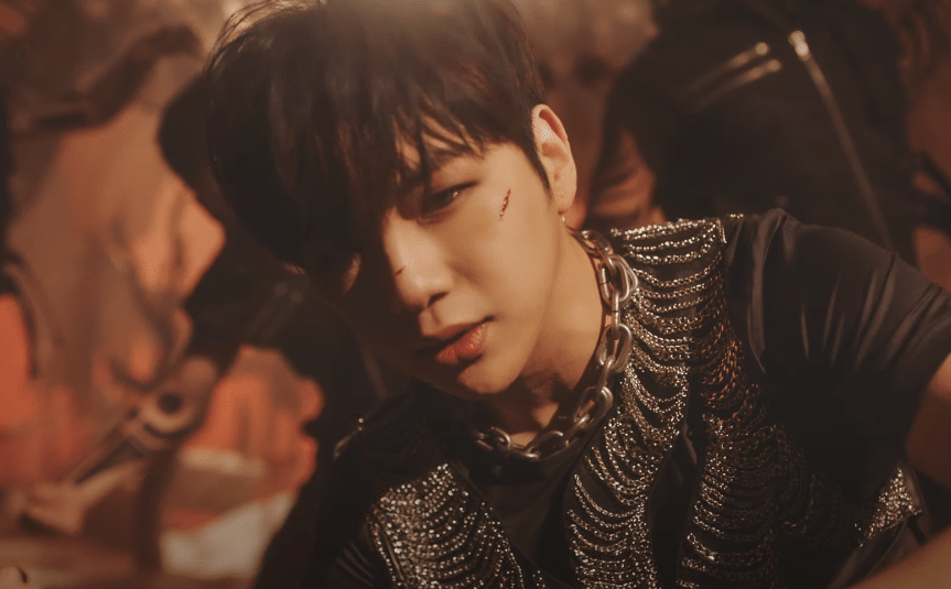"""Kang Daniel Unveils A Fierce Music Video Teaser For His Track """"깨워 (Who U Are)"""""""