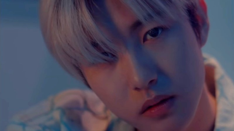 """NCT Dream's Renjun Mesmerizes With His Moody Cover Of Troye Sivan's """"FOOLS"""""""