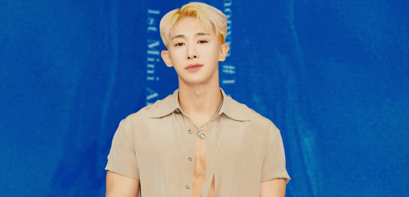 """Wonho Tops Japan's Oricon Weekly Albums Chart With """"Love Synonym"""""""