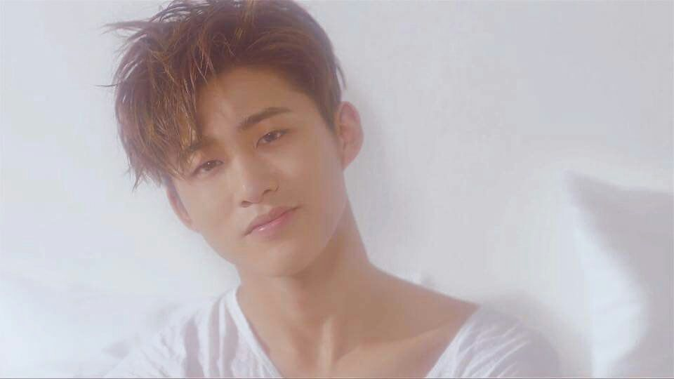 """#NowPlaying : Hanbin Stirs With A Soulful Demo Titled """"Remember Me"""""""