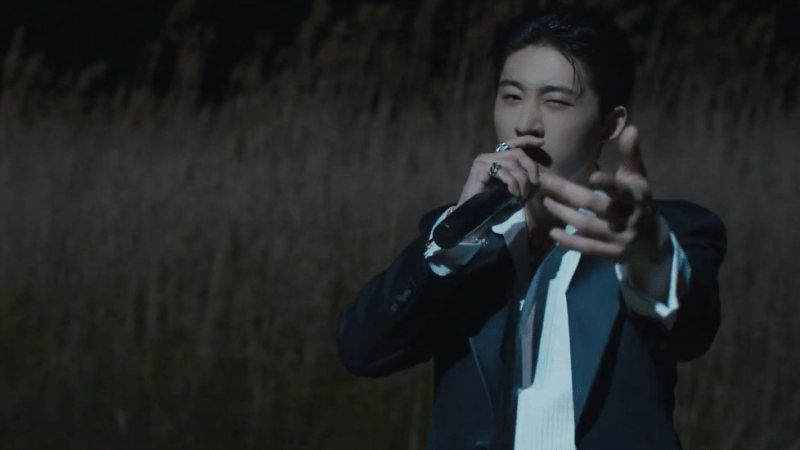 """B.I Leaves Us Speechless With His Superb """"WATERFALL"""" Live Film"""