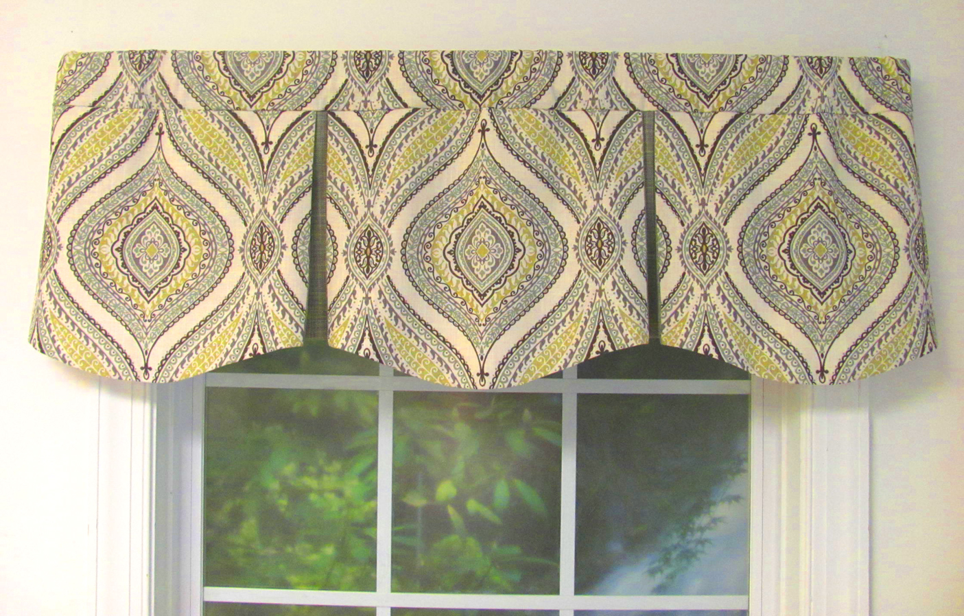 Curved Box Pleat Valance