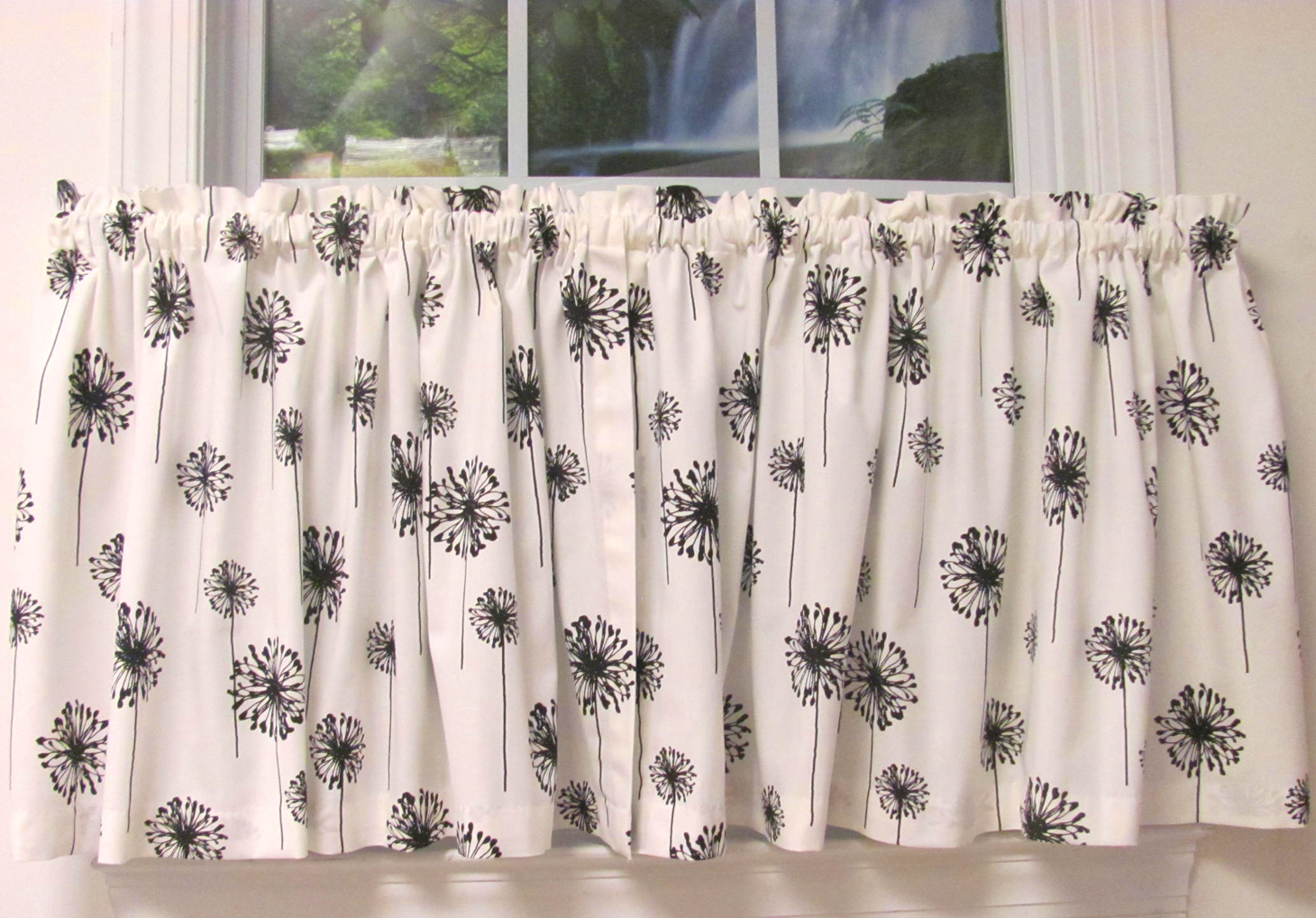 Posey White Black Monterey Valance 3 Tab W Buttons