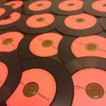 アナログレコードをモチーフにしたデザインのCD-R って知ってる!?【PHONO-R】【三菱化学メディア株式会社】