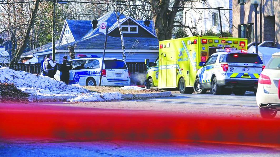 魁省滿地可周三揭發一起3屍命案,一名成年女子與她的兩名年幼兒子,被發現陳屍家中,警察封鎖了街道。 CBC