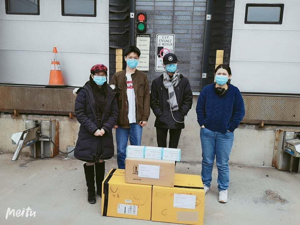 中加语言文化学院向麦吉尔大学健康中心捐赠口罩